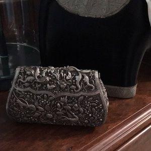 Handbags - Vintage Style Asian Clutch